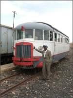 Personal/4632/er-ist-der-herr-ueber-seinen Er ist der Herr über seinen Triebwagen. Bahnhof Mai Atal (30.10.2008)